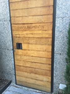 Portón de entrada al restaurante