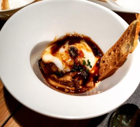 la-maruca-Madrid-Gastronomia-huevos-pure-trufado