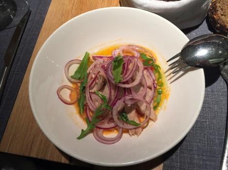 la-maruca-Madrid-Gastronomia-ensalada-tomate