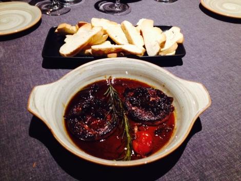 Foie caliente con reducción al Pedro Ximénez- los montes de Galicia-www.thecokiners.com